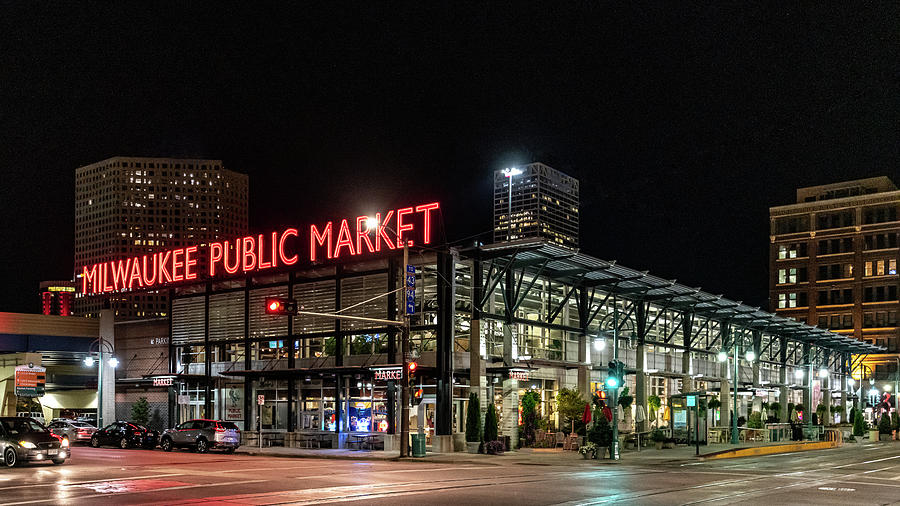Milwaukee Public Market by Randy Scherkenbach