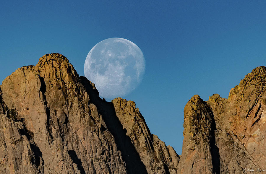 moonset by Jody Partin
