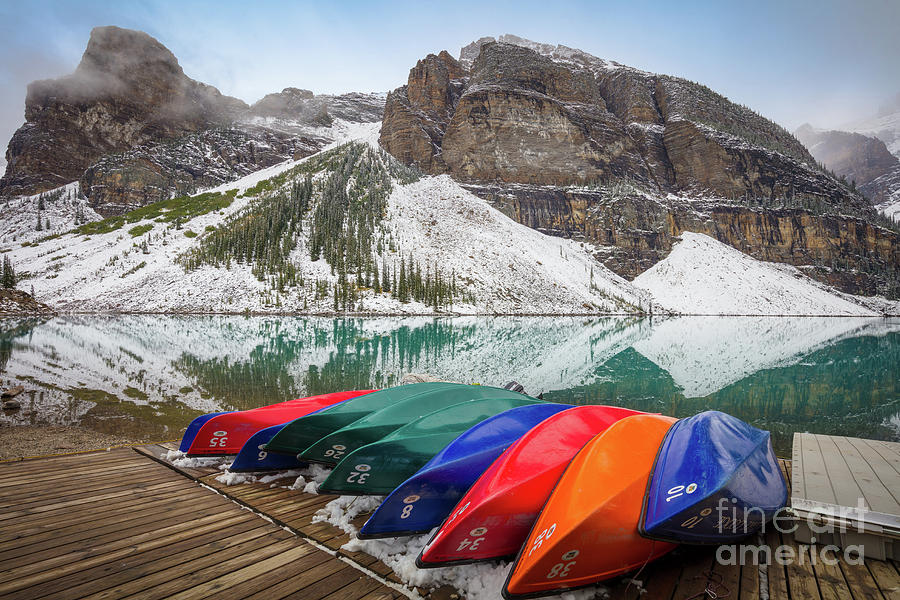 Alberta Photograph - Moraine Lake Canoes by Inge Johnsson