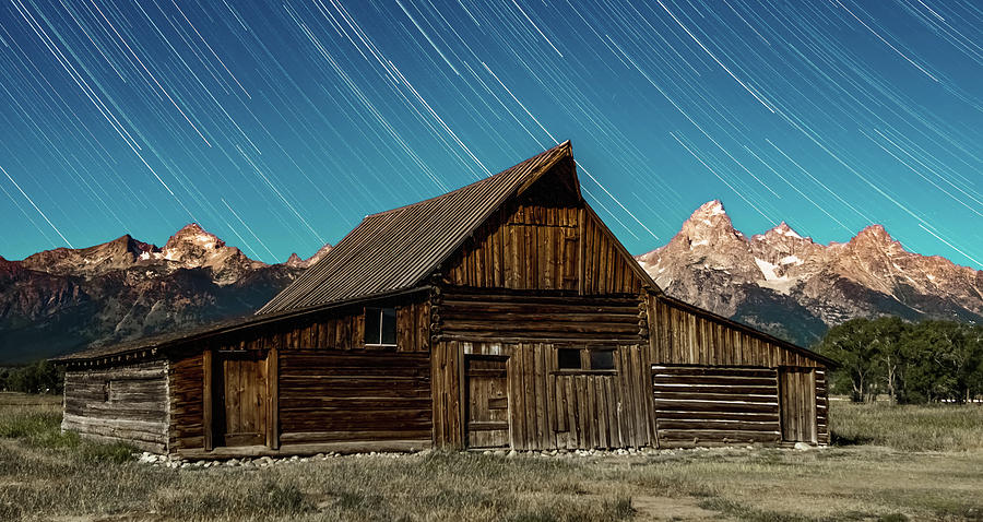 Mormon Row Barn in the Grand Tetons at night by ALEX GRICHENKO