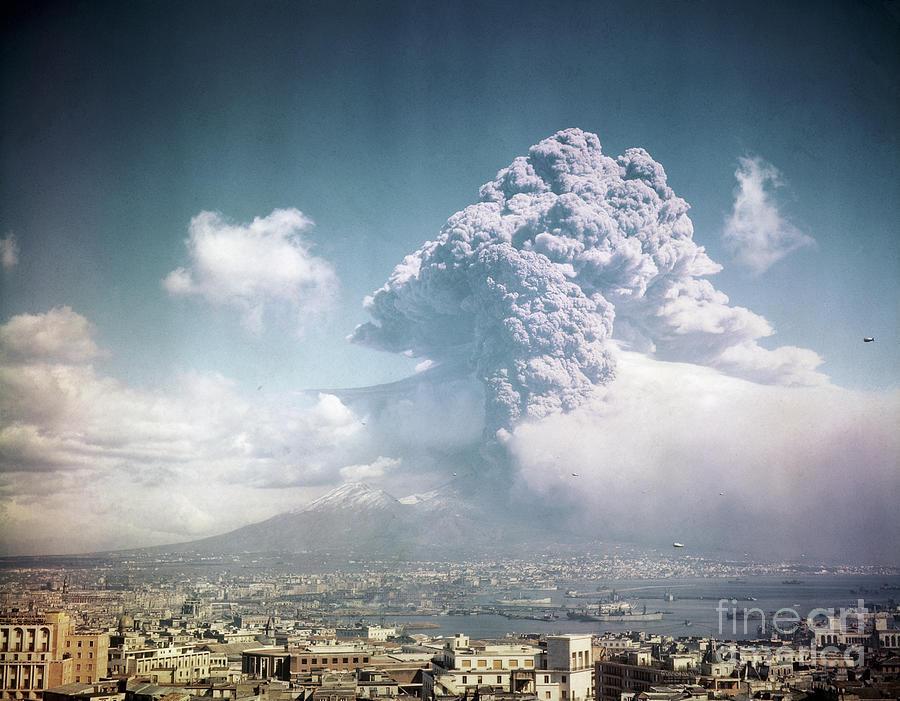 Mount Vesuvius Erupting Photograph by Bettmann