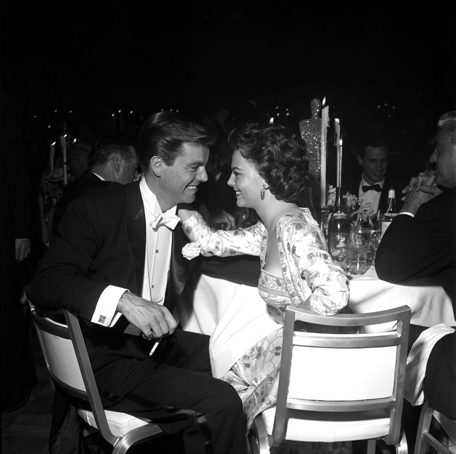 Natalie Wood And Robert Wagner Photograph by Michael Ochs Archives