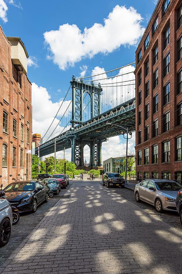 New York City Photograph - New York City Manhattan Bridge by Melanie Viola