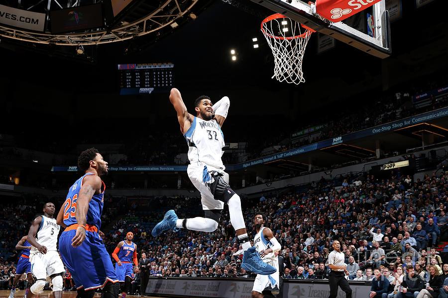 New York Knicks V Minnesota Timberwolves Photograph by David Sherman