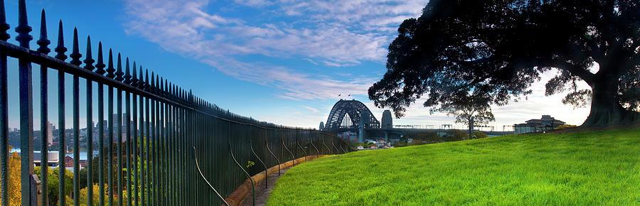 Observatory Hill - Sydney by Sean Davey