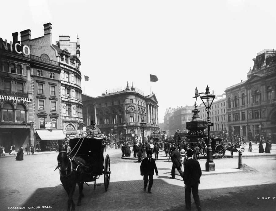 Piccadilly Circus Photograph by London Stereoscopic Company