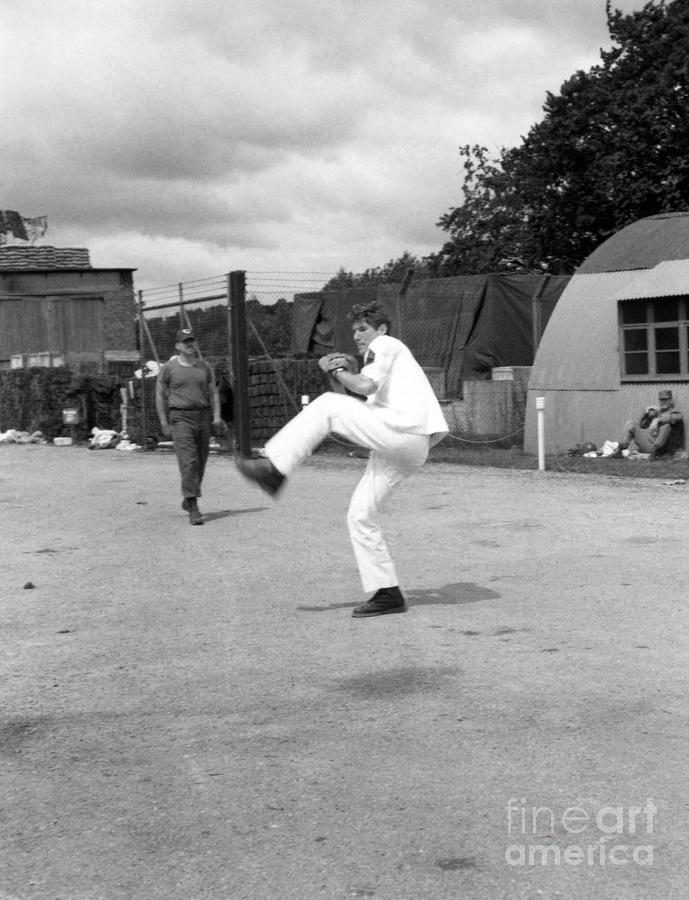 Richard Gere - Pitching a baseball on set of YANKS by Doc Braham