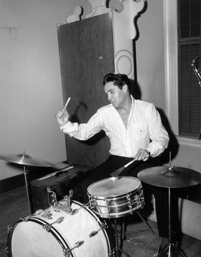 Rock And Roll Singer Elvis Presley 1 Photograph by Michael Ochs Archives