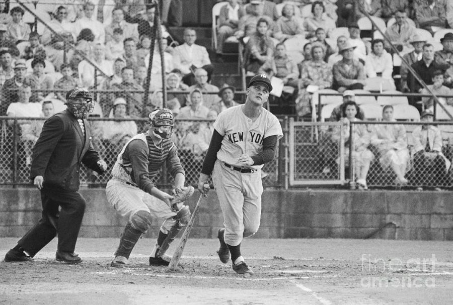 Roger Maris Hitting Home Run Photograph by Bettmann