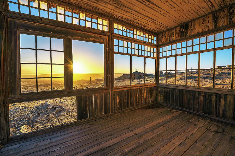 Ruins Of The Mining Town Kolmanskop In The Namib Desert ...