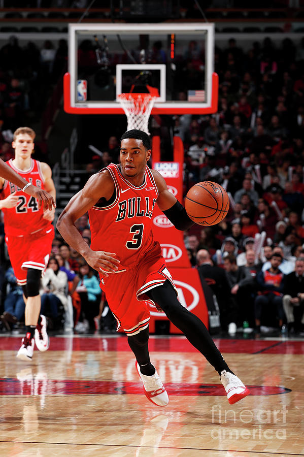 Sacramento Kings V Chicago Bulls Photograph by Jeff Haynes