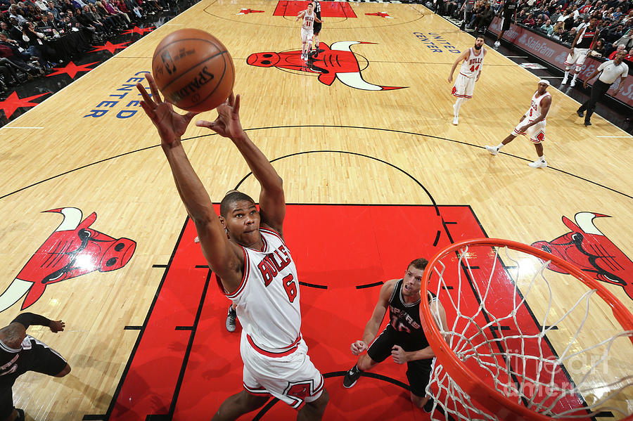 San Antonio Spurs V Chicago Bulls Photograph by Nathaniel S. Butler
