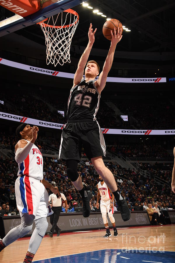 San Antonio Spurs V Detroit Pistons Photograph by Chris Schwegler