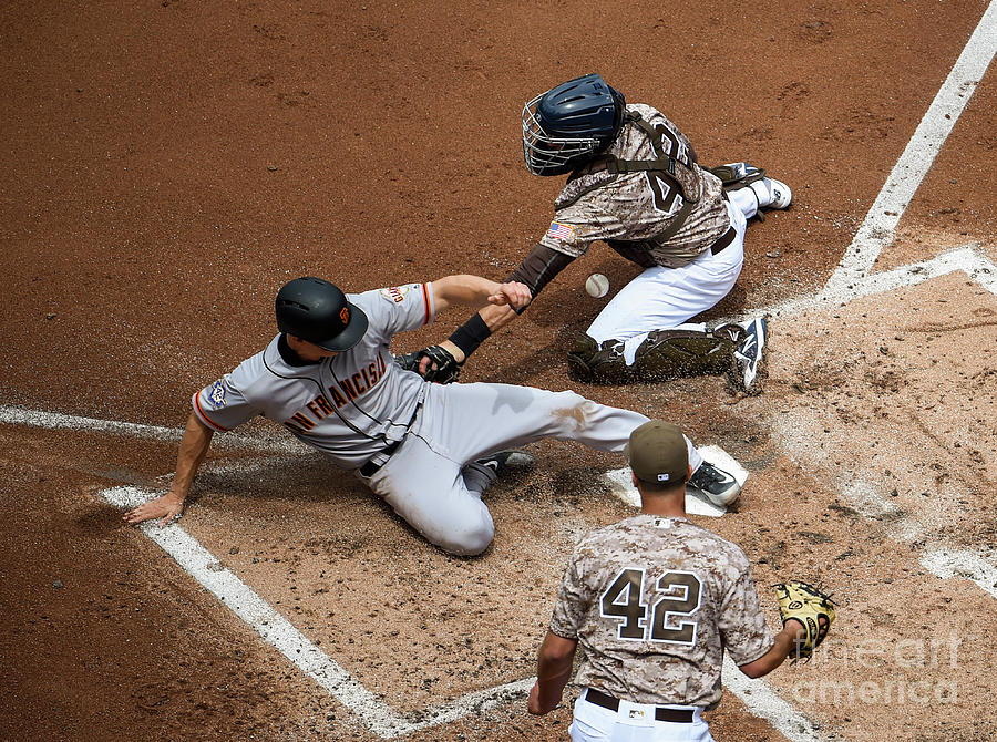 San Franciso Giants V San Diego Padres Photograph by Denis Poroy