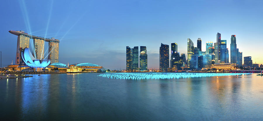 Singapore Marina Bay Photograph by Fiftymm99