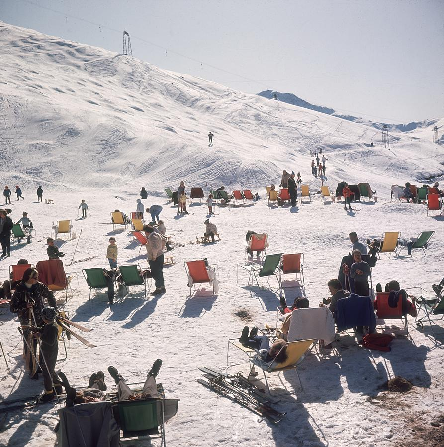 Skiers At Verbier Photograph by Slim Aarons