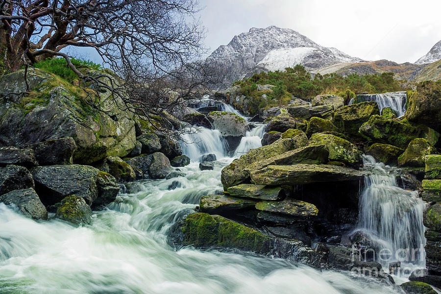 Snow Covered Tryfan by Ian Mitchell