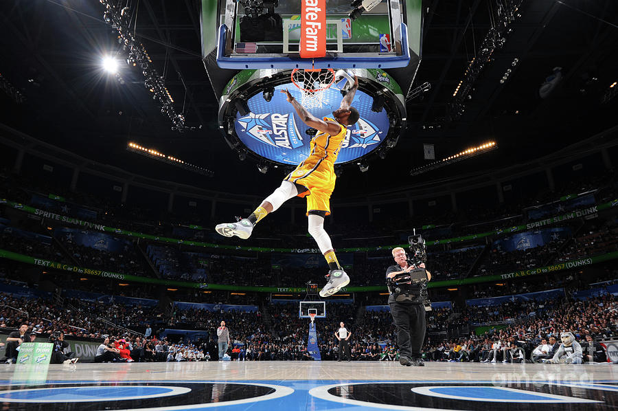 Sprite Slam Dunk Contest Photograph by Andrew D. Bernstein
