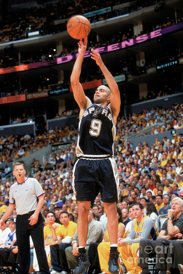 Spurs V Lakers Photograph by Andrew D. Bernstein