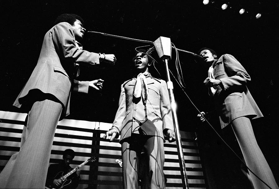 Performance Photograph - The Delfonics In Ny by Michael Ochs Archives