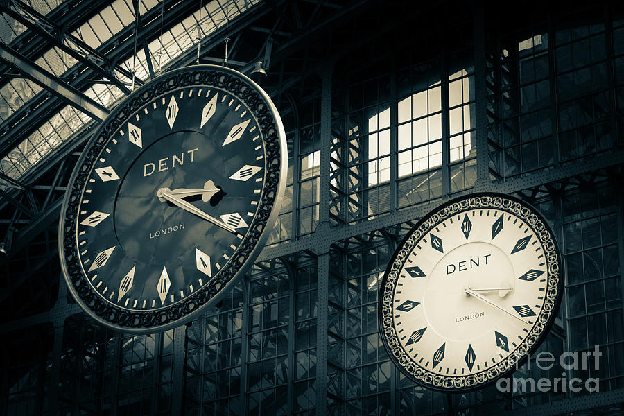The Dent clock and replica at St Pancras Railway Station by Peter Noyce