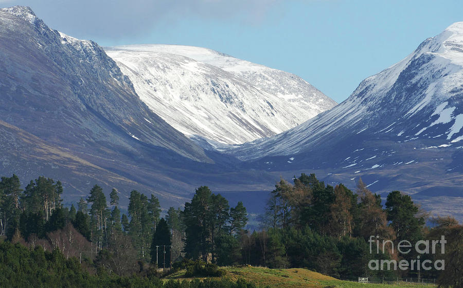 The Lairig Ghru - Cairngorm Mountains by Phil Banks
