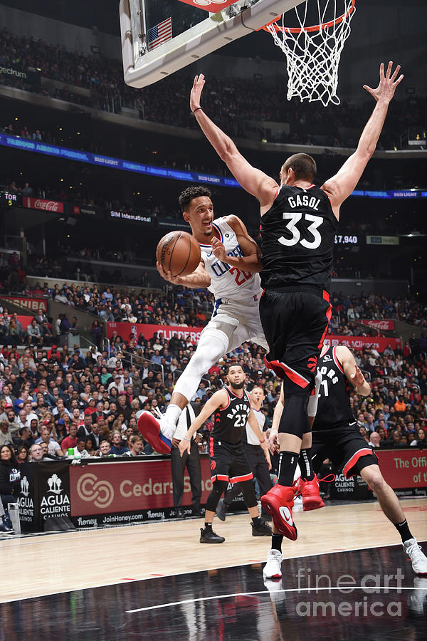 Toronto Raptors V Los Angeles Clippers Photograph by Adam Pantozzi