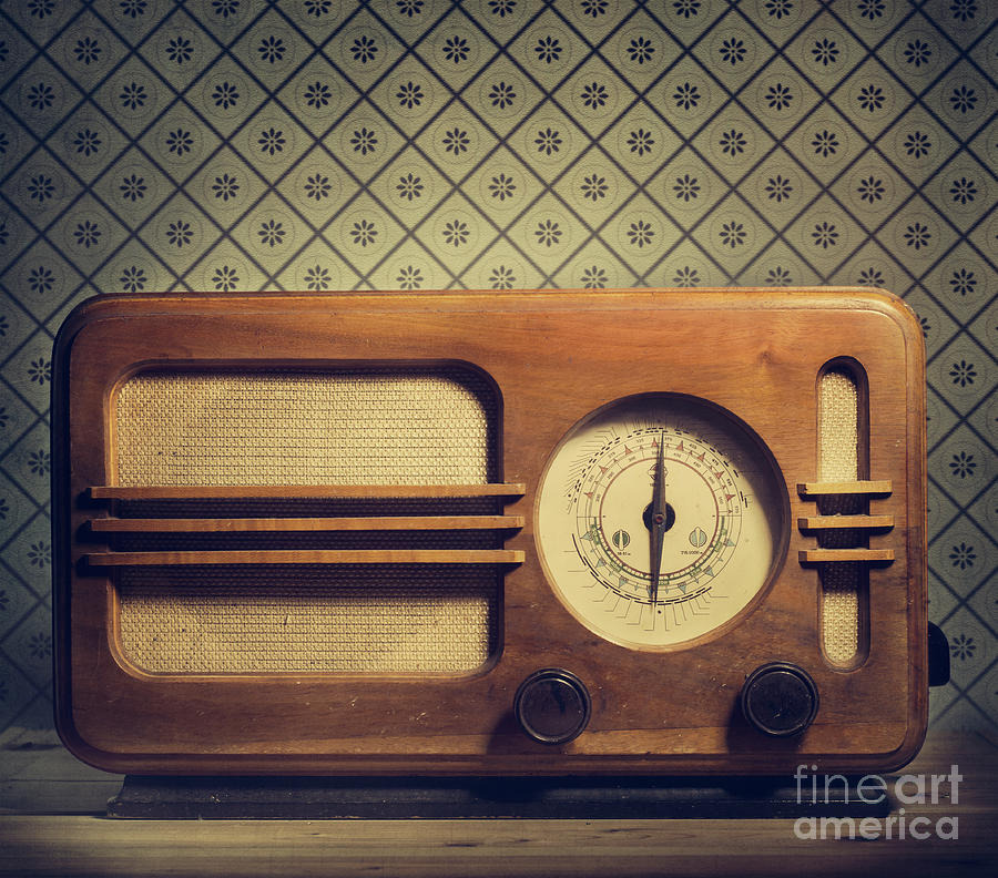 Vintage Radio by Jelena Jovanovic