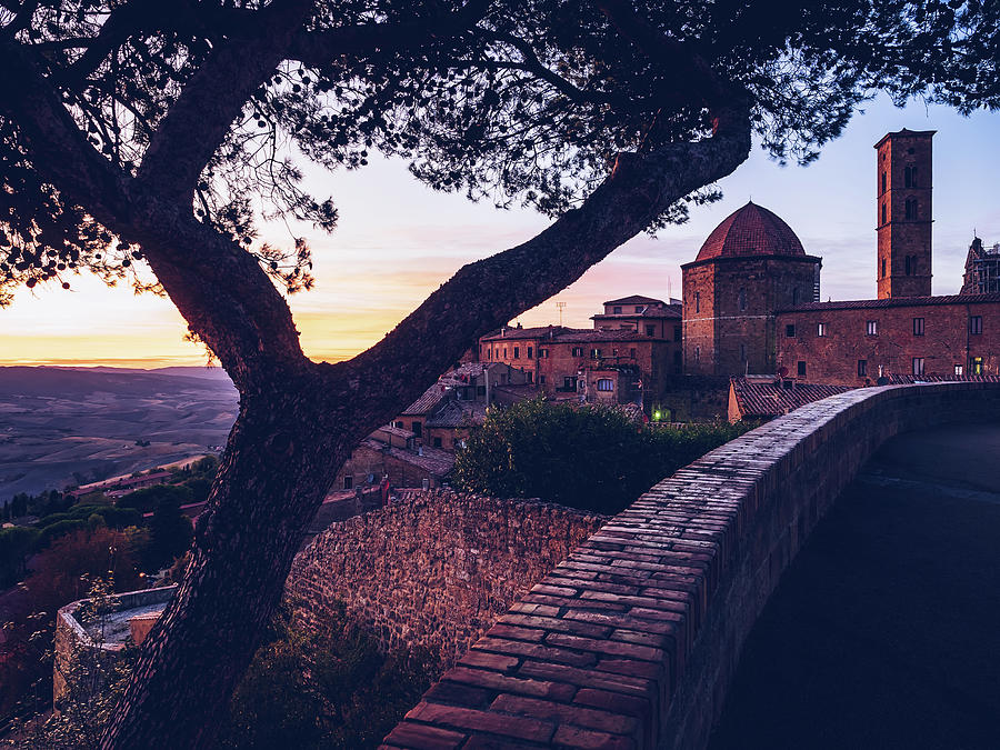Volterra - Tuscany by Alexander Voss