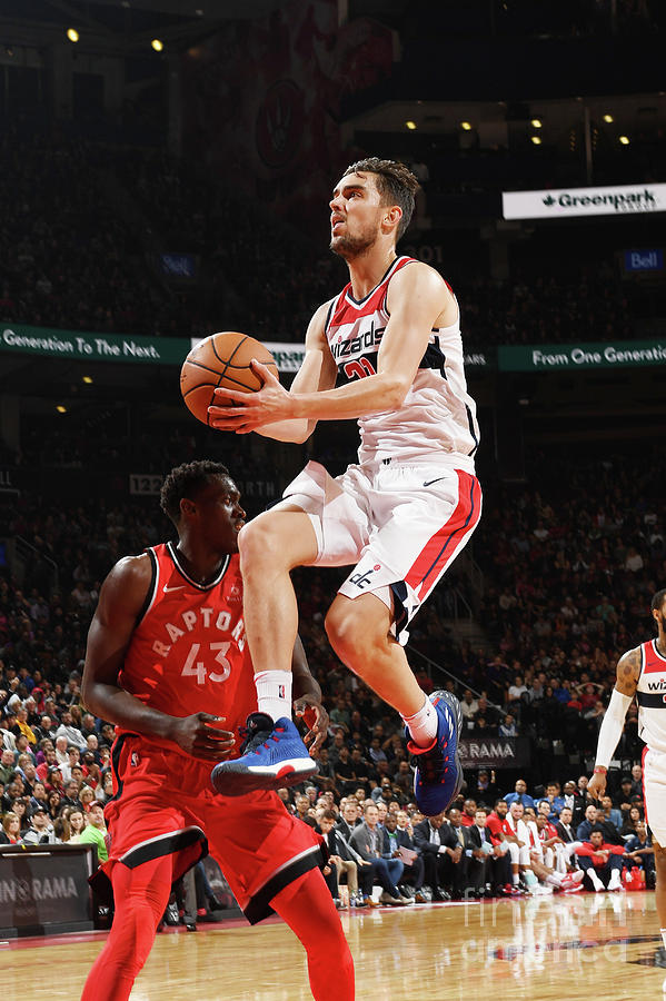 Washington Wizards V Toronto Raptors Photograph by Ron Turenne
