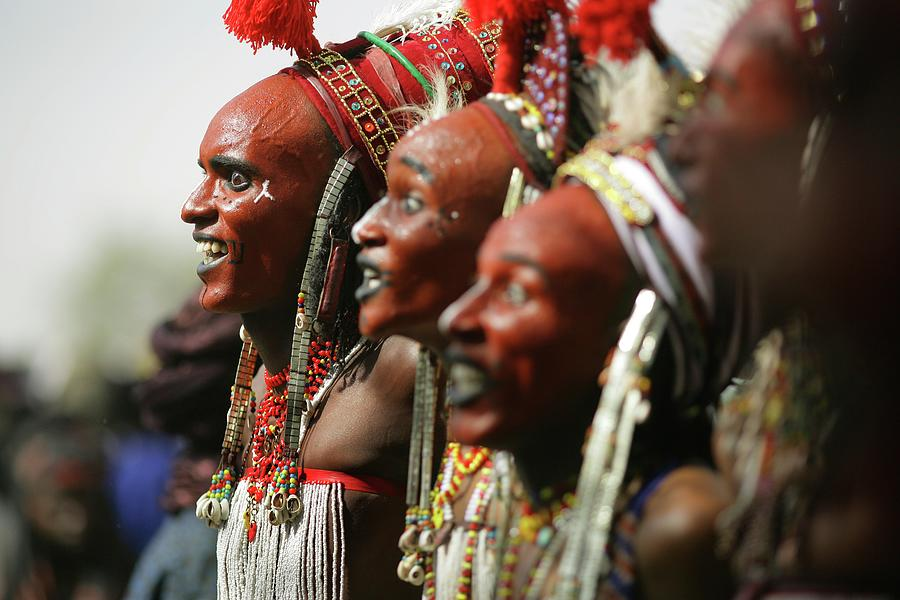 Wodaabe Tribe Gerewol Courtship Ritual Photograph by Timothy Allen