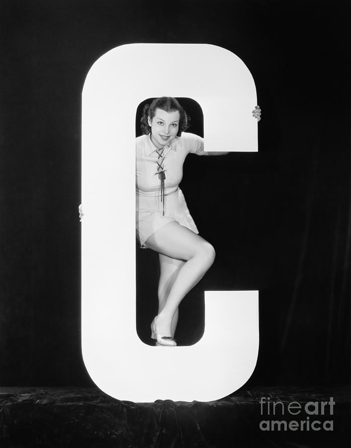 Testimonial Photograph - Woman Posing With Huge Letter C by Everett Collection