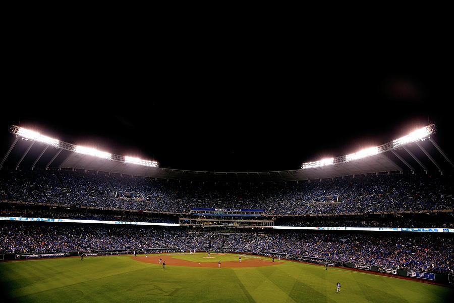 World Series - New York Mets V Kansas Photograph by Christian Petersen