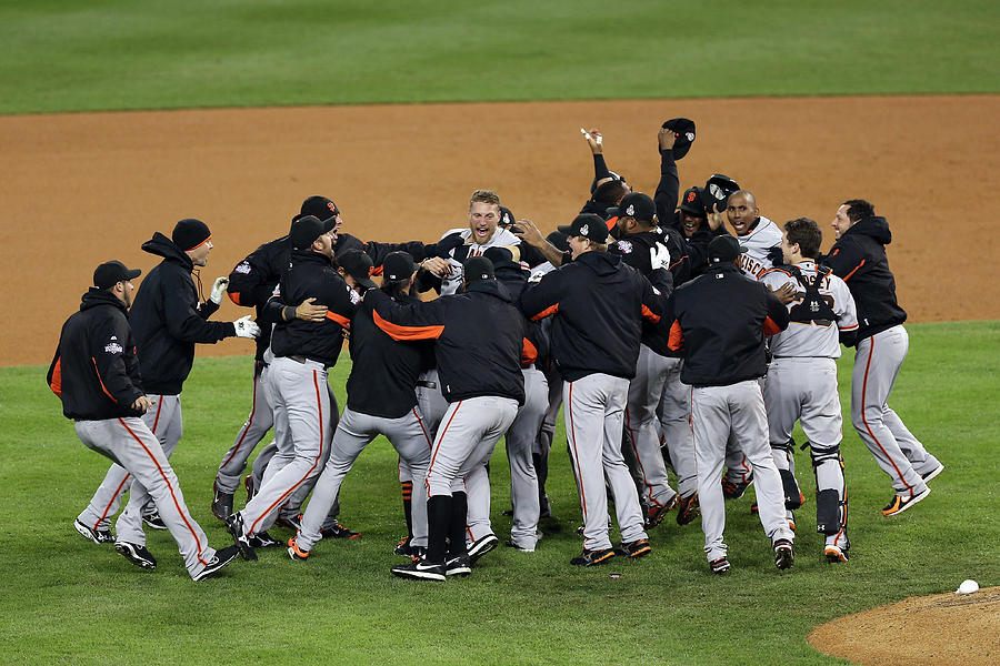 World Series - San Francisco Giants V Photograph by Christian Petersen