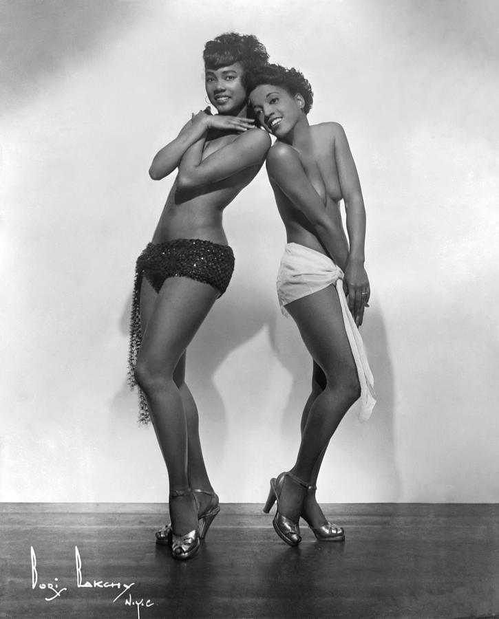 Brown Skin Models Photograph by Michael Ochs Archives