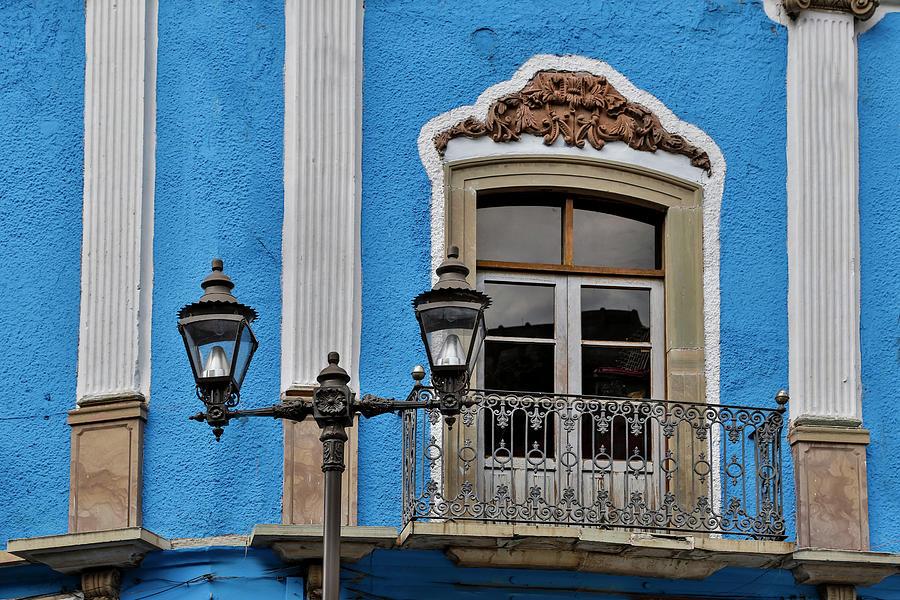 Building Photograph - Guanajuato In Central Mexico by Darrell Gulin