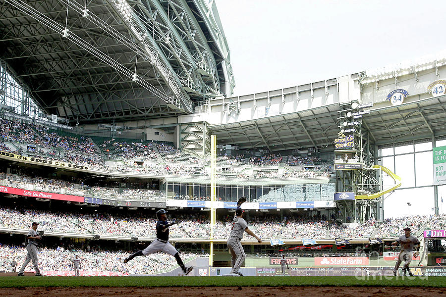 Minnesota Twins V Milwaukee Brewers 10 Photograph by Mike Mcginnis