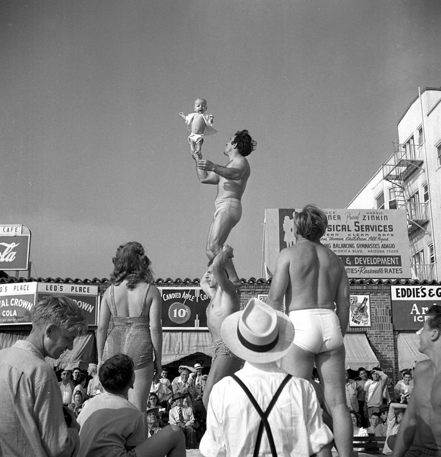 Muscle Beach Santa Monica Photograph by Michael Ochs Archives