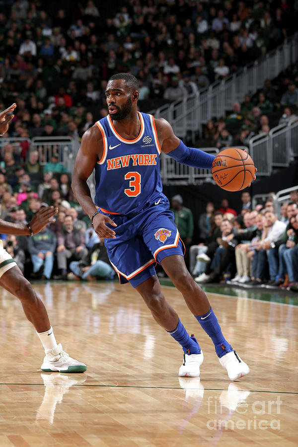 New York Knicks V Milwaukee Bucks Photograph by Gary Dineen