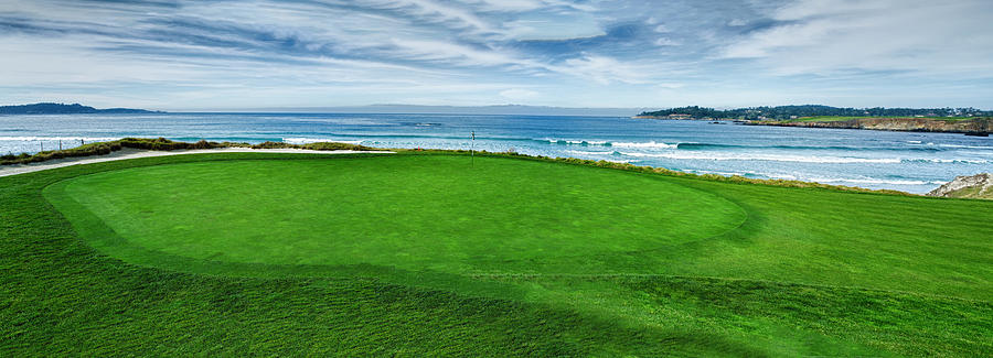 10th Hole At Pebble Beach Golf Links Photograph by ...