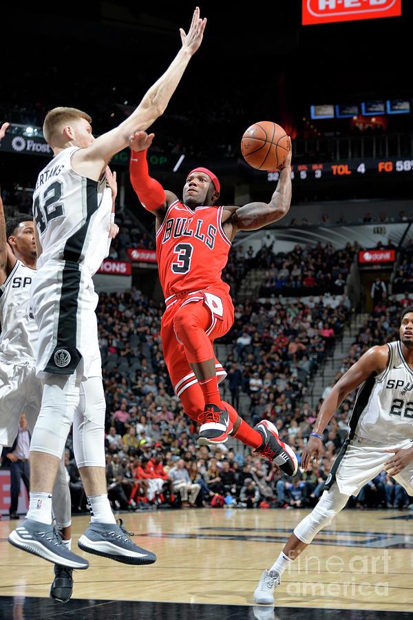 Chicago Bulls V San Antonio Spurs Photograph by Mark Sobhani