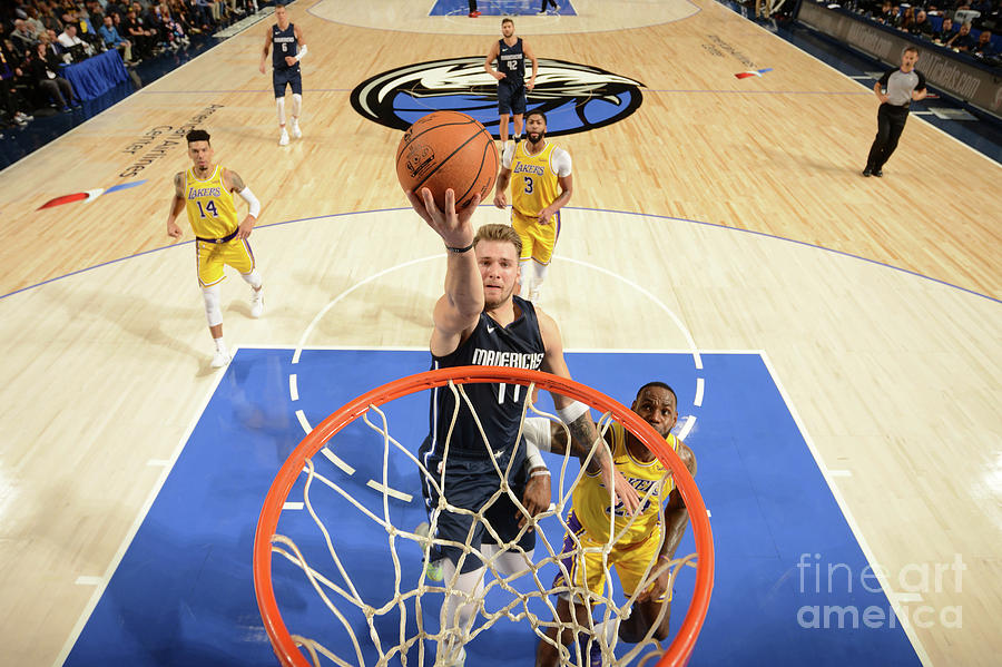 Los Angeles Lakers V Dallas Mavericks Photograph by Glenn James