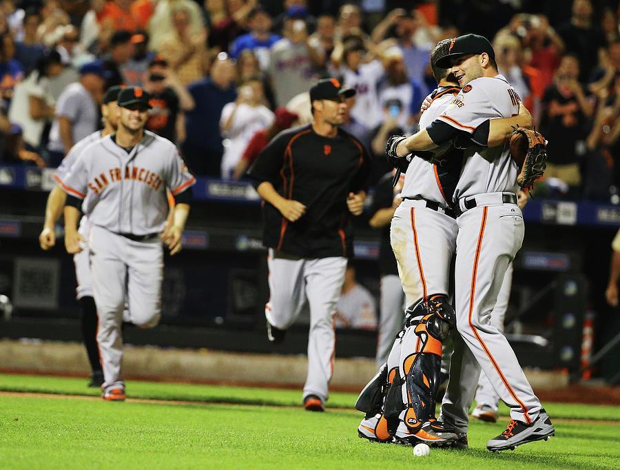 San Francisco Giants V New York Mets 12 Photograph by Al Bello