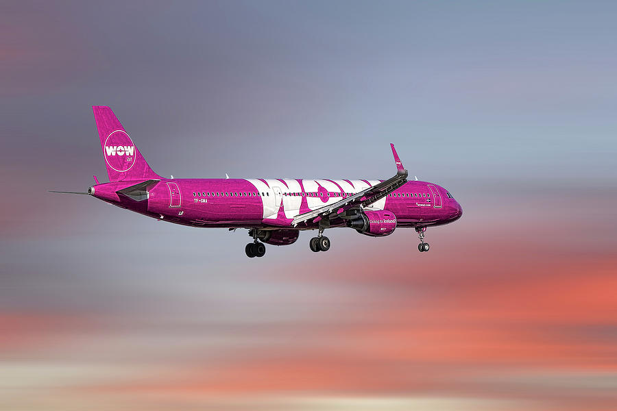 Wow Mixed Media - Wow Air Airbus A321-211 by Smart Aviation
