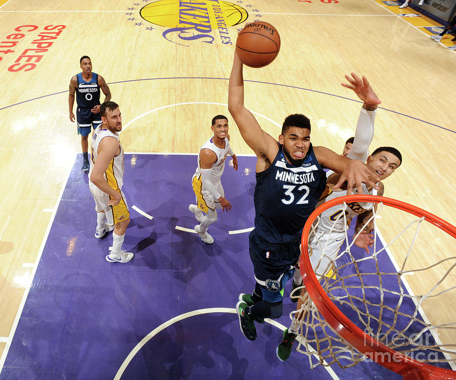 Minnesota Timberwolves V Los Angeles Photograph by Andrew D. Bernstein
