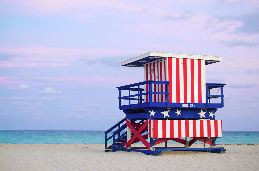 13th Street Lifeguard Hut In Miami Photograph by Gregobagel