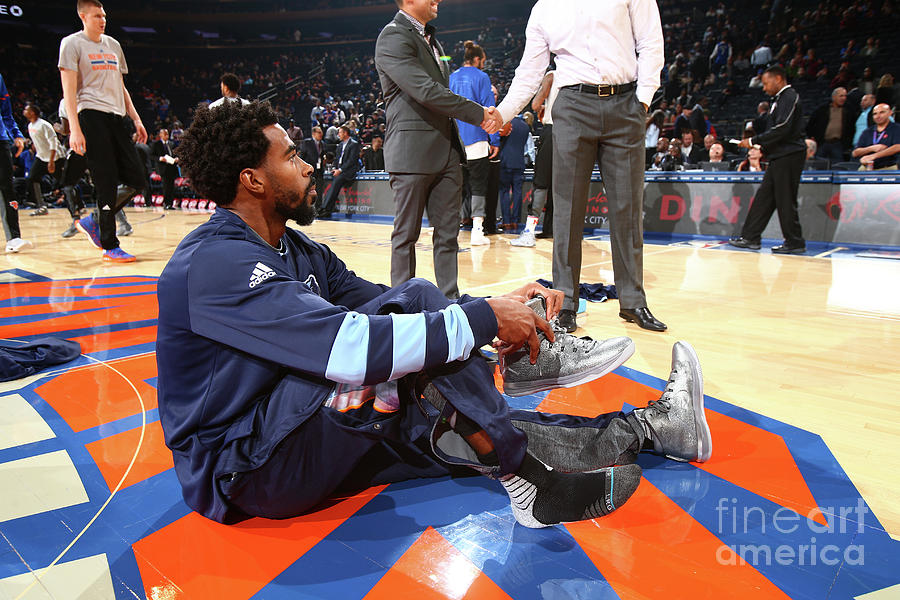 Memphis Grizzlies V New York Knicks Photograph by Nathaniel S. Butler