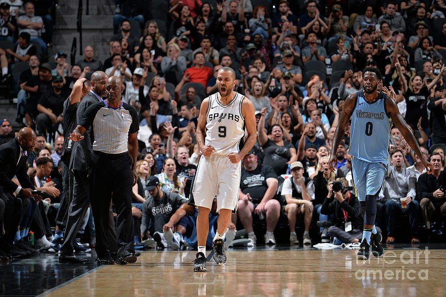 Memphis Grizzlies V San Antonio Spurs Photograph by Mark Sobhani