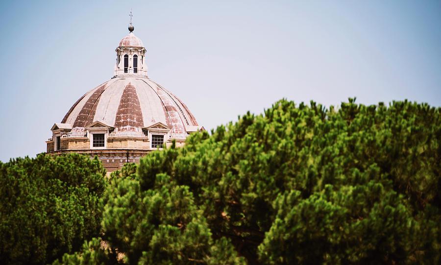 Close-up detail of Rome city, Italy  by Eduardo Huelin