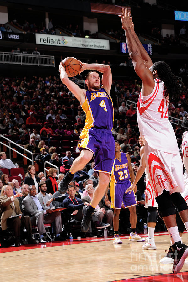 Los Angeles Lakers V Houston Rockets Photograph by Bill Baptist